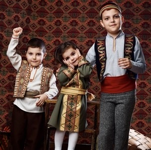 Фотосессия в национальных костюмах от Хатутик
