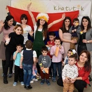 У детей праздник Пасхи начинается в стране
