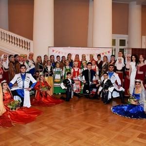 Межнациональный детский праздник, организованный армянским центром Хатутик в Таврическом дворце 03.06.2017