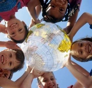 Дети нуждаются в нашей защите и любви, они надеются на нас и ждут нашей заботы…