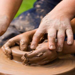 Глинотерапия: лепим счастье из глины