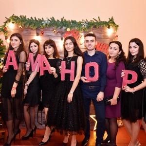 В Санкт-Петербурге пышно отметили Аманор