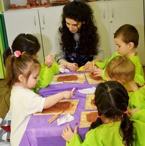 Чудотворная глина - занятия по глинотерапии для детей
