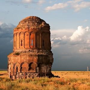Как говорят армяне, апрель - месяц, чтобы «апрел» – жить!